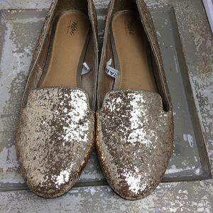 NWOT SZ 9.5 Mossimo Gold Glitter Flats